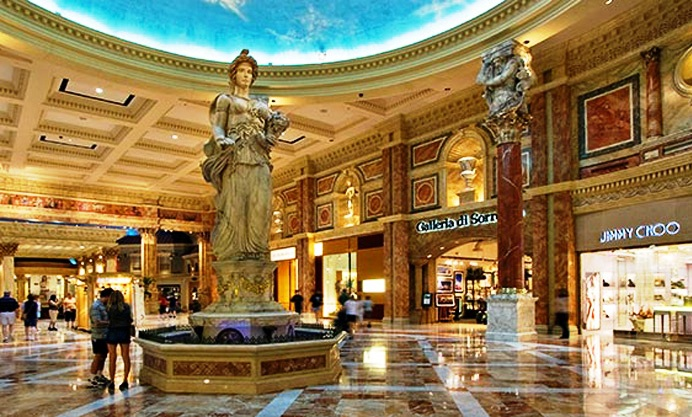 map of caesars palace las vegas with Shoppings Mais Caros De Sao Paulo on 6016249196 as well Shoppings Mais Caros De Sao Paulo besides Map as well The Iconic Stratosphere Hotel Casino And Tower In Las Vegas together with Quest Ce Que Le Strip.